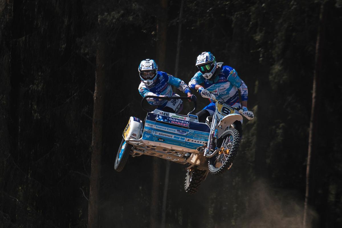 Karksi-Nuias on külgvankrite motokrossi etapil kohal kogu Eesti paremik ning valitsev maailmameister!
